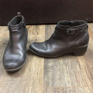 Clarks Black Booties w/ Short Heel   Size 9.5M